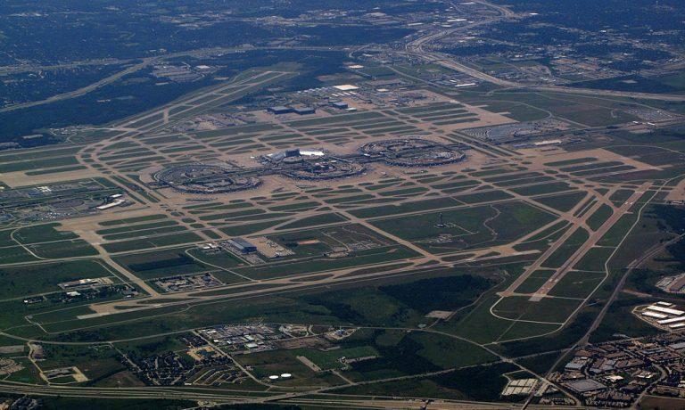 ۱۰۲۴px-Dallas_-_Fort_Worth_International_Airport