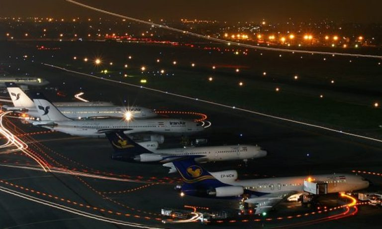 Parked_Airliner_in_Mehrabad_International_Airport_at_night-738×355
