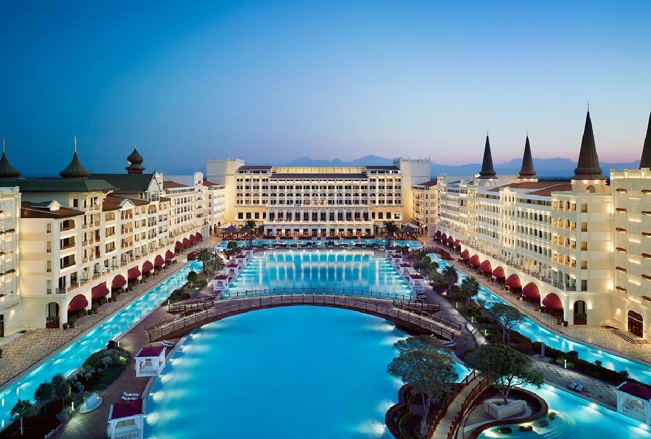 فرق هتل all با uall چیست؟